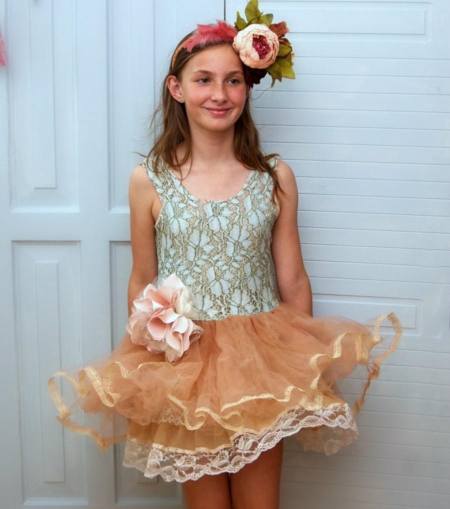 Hochzeit - Powder peach blush dusty green flower girl.  Photo prop. Photo dress. Tulle boho flower girl. Rustic tutu flower girl. Size 7 to 9 years