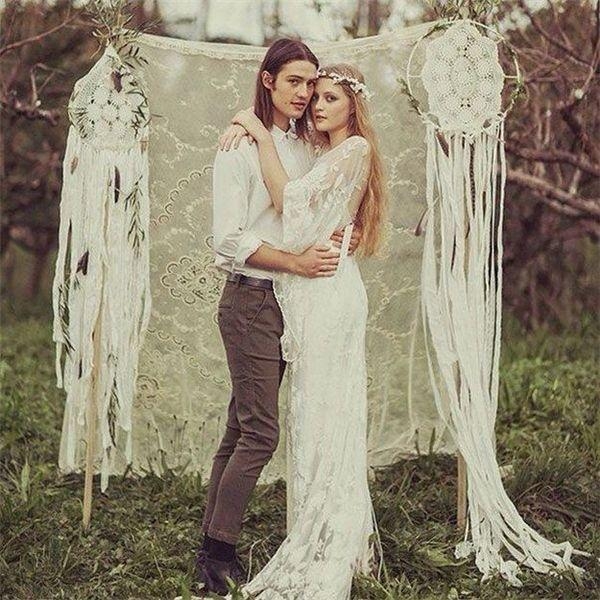 Breathtaking Bohemian Outdoor Wedding Altar: 30 Dreamcatchers Boho Wedding Decor Ideas #2419952