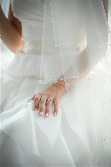 Mariage - Crystal and Pearl Circular Cut Bridal Veil, Two Tier Wedding Veil, Fingertip Veil, Italian Tulle Crystal Veil, Pearl Veil, Sparkly Veil