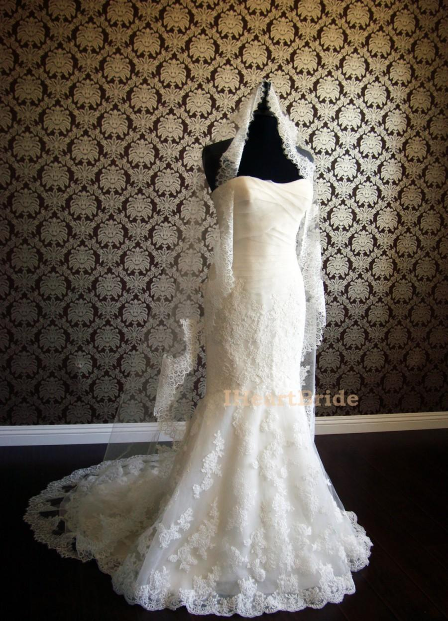 "Свадьба - Mantilla Lace Veil Silk Tulle Veil with French Chantilly Lace Sweep Puddle Length by IHeartBride V#MA72 Fanette Lace 72"" Width White Ivory"