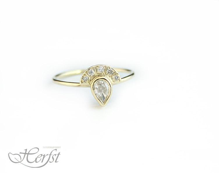 Mariage - 14k Diamond ring - pear shaped Diamond engagement ring - wedding ring, 14k Gold, Handmade