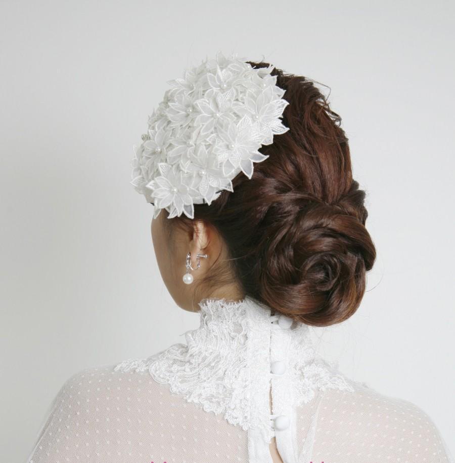 زفاف - Vintage Ivory Flowery cocktail hat  / Hand stitch cocktail hat / Bridal Headpiece / Bridal Cocktail Hat