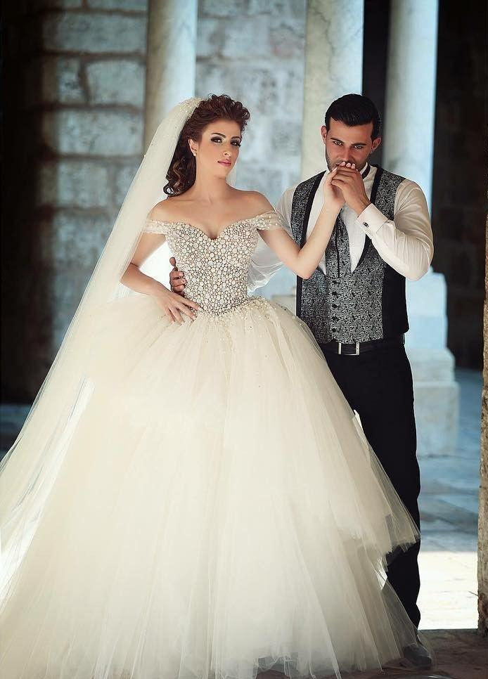 Off Shoulder Pearls Ball Gown Wedding Dresses Lace Up Back Tiers Tulle Sweep Train Bridal Gowns