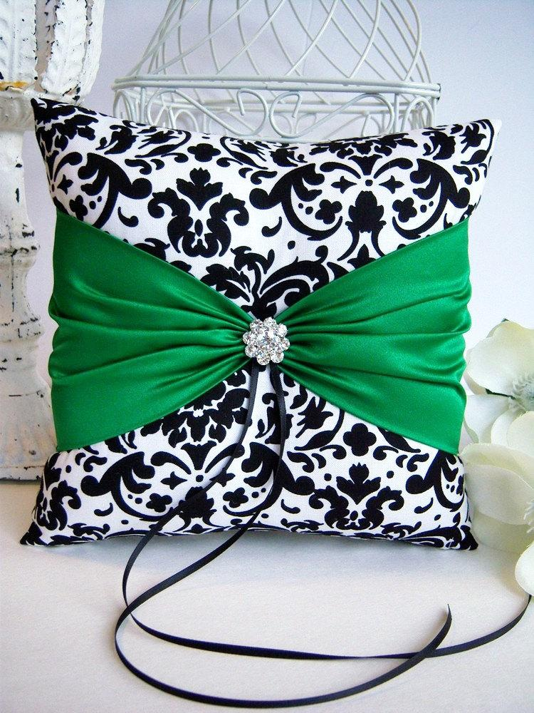 Свадьба - Damask Ring Bearer Pillow/Black & White Ring Pillow/Black and White Damask Wedding Pilllow/Damask Wedding Pillow/Green Wedding Pillow/Green