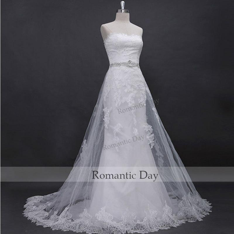 Mariage - Elegant Lace Wedding Dress include belt/Wedding Party Wedding Gown/Handmade Dresses/bridal white Beach Wedding Dress 0283