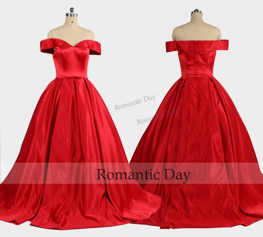 Mariage - Elegant Boat Neckline Red Ball Gown/Palace Ball Gown/Vintage Dresses/Queen Dress/Custom Made 0457