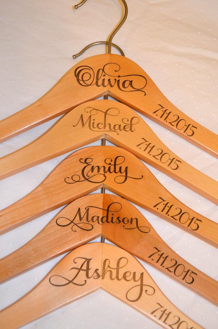 Mariage - 5 Personalized Bridesmaid Hanger - Wooden Engraved Hanger - Bridal Dress Hanger