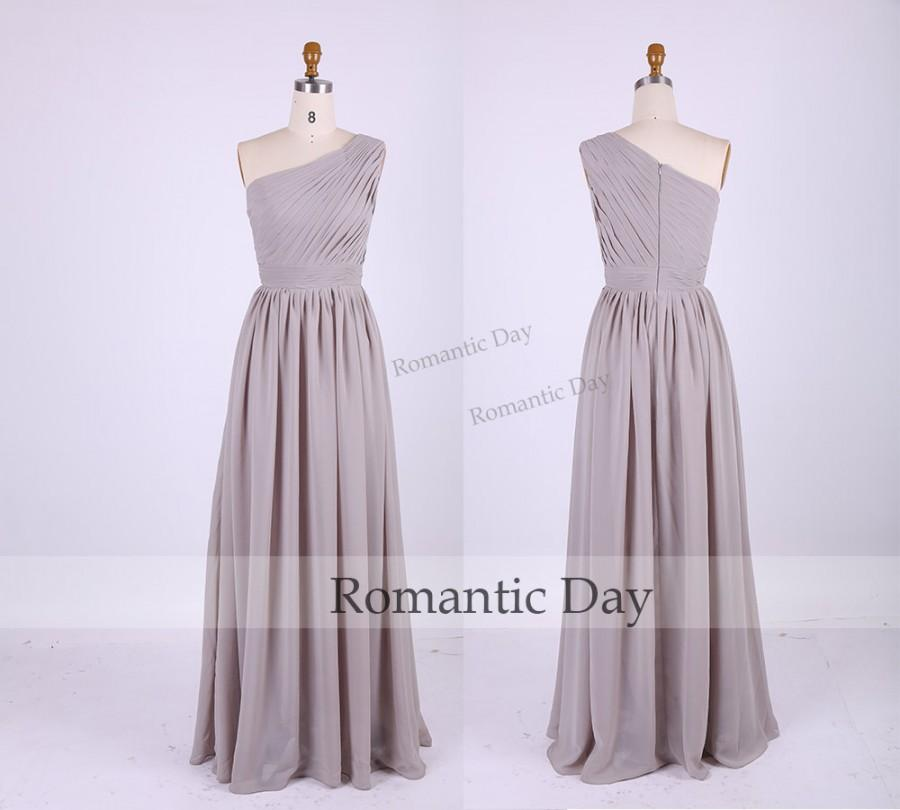 Mariage - One Shoulder Gray Long Bridesmaid Dress/Gray Chiffon Dress for Wedding/Handmade/Long Prom Dress/Plus Size Maxi Dress 0316
