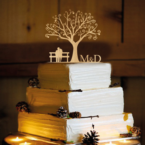 Свадьба - Rustic  Wedding Cake Topper - Personalized Monogram Cake Topper - Mr and Mrs - Cake Decor - Bride and Groom