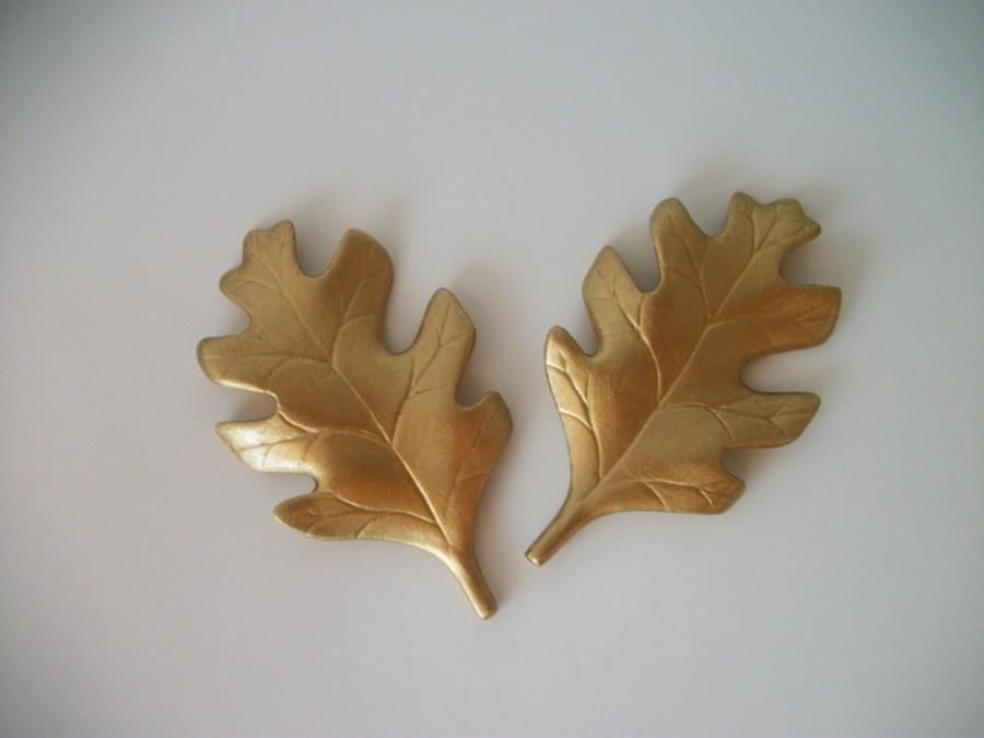 Hochzeit - Metallic Ceramic Leaves Wedding Decorations or Cake Toppers in Gold, Silver or Copper, Fall Wedding, Autumn Wedding, Set of 2