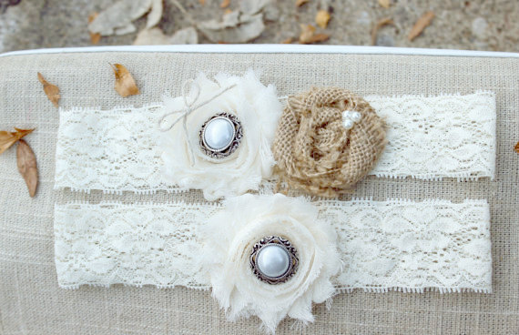 Wedding - SARAH - Burlap and Lace Wedding Garter Set, Burlap Garter, Ivory Rustic Vintage Garter, Country Wedding Accessories, Rustic Bridal accessory