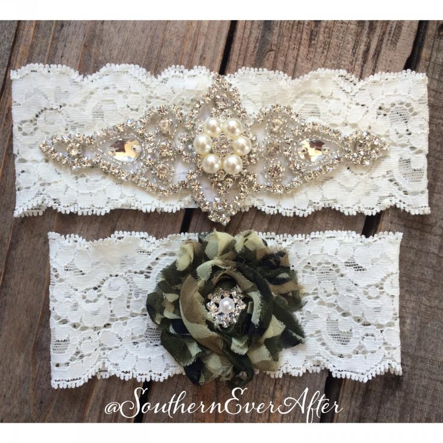 Свадьба - PEARL and CAMO Garter Set / bridal garter/ lace garter / toss garter / vintage / Shabby Chic