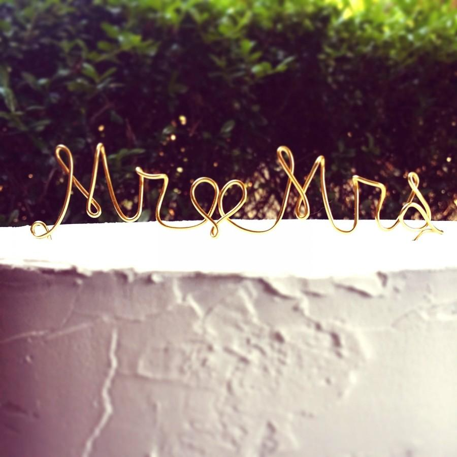 Свадьба - READY TO SHIP Mr & Mrs : Wire Cake Topper