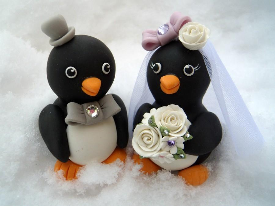 "Mariage - Penguin wedding cake topper - love birds with banner for names and date, 3.3"" tall"
