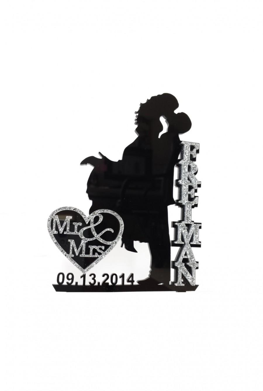 Mariage - Wedding Cake Topper Silhouette with Name and Mr & Mrs in Glitter, Bling Acrylic Cake Topper [CT18wg]