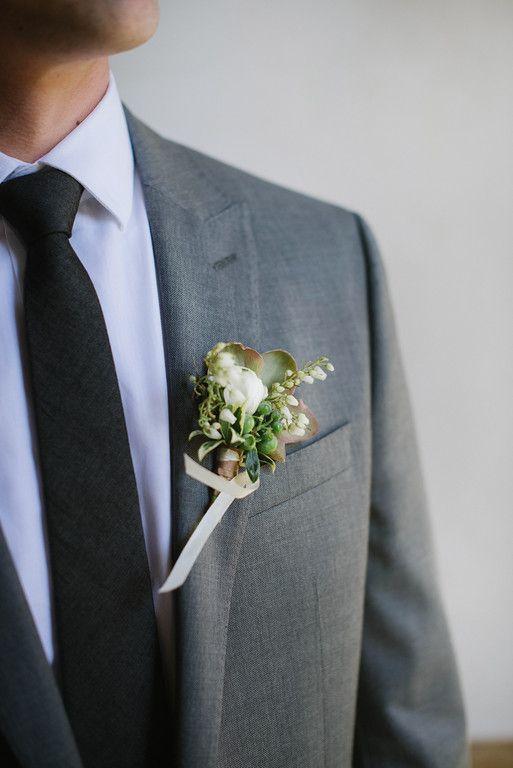 Свадьба - Artistic Indoor Wedding With Botanical Inspiration