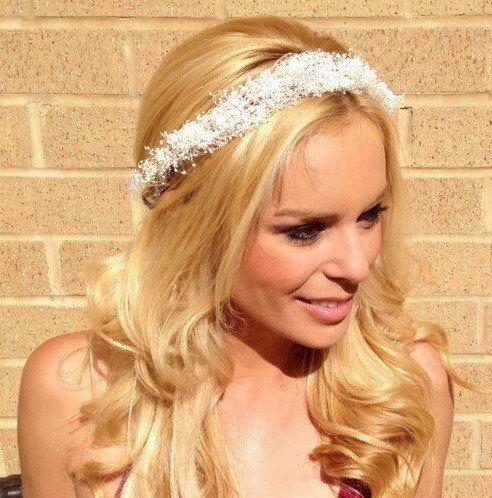 Mariage - White floral Crown boho white baby's breath Flower crown Wedding crown Floral headband fairy crown Wedding Crown Coachella headband