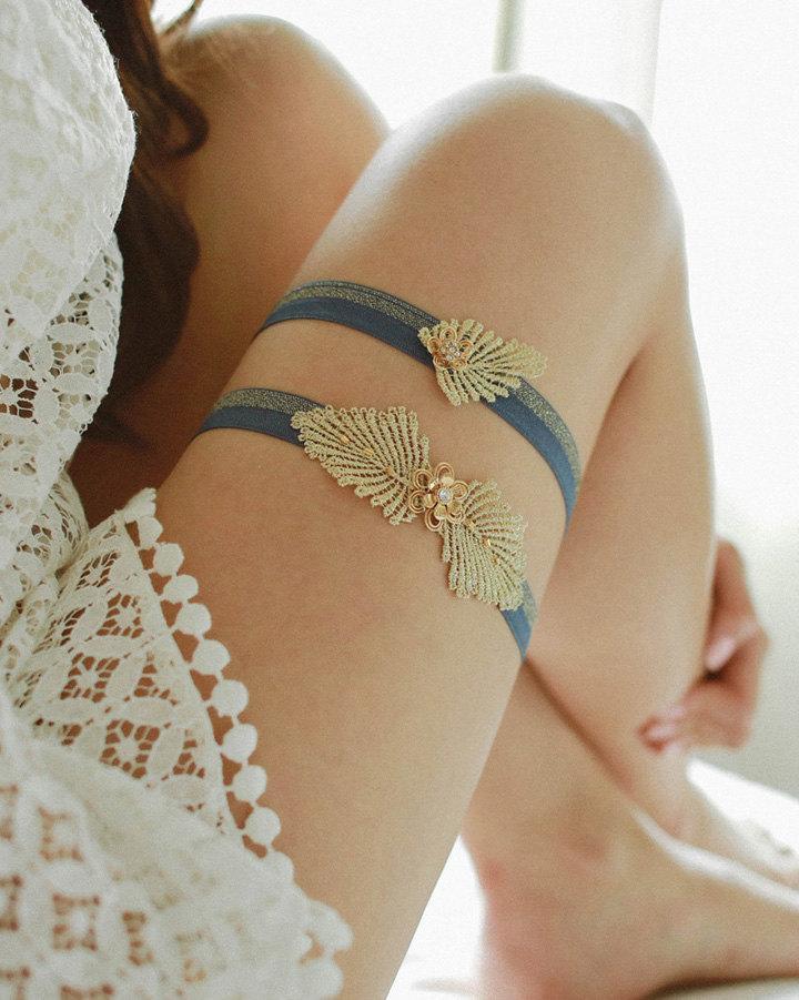 Mariage - Gold rhinestone wedding garter, navy blue and gold garter, bridal lace garter - style 465