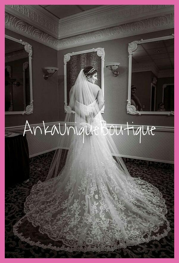 Mariage - Chapel veil with beaded lace trim and blusher