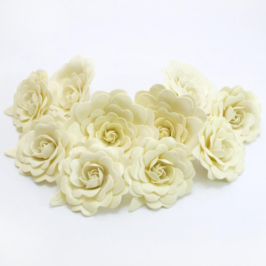 Hochzeit - Sweet Creamy Polymer Clay Flowers with leaves, set of 12 stems