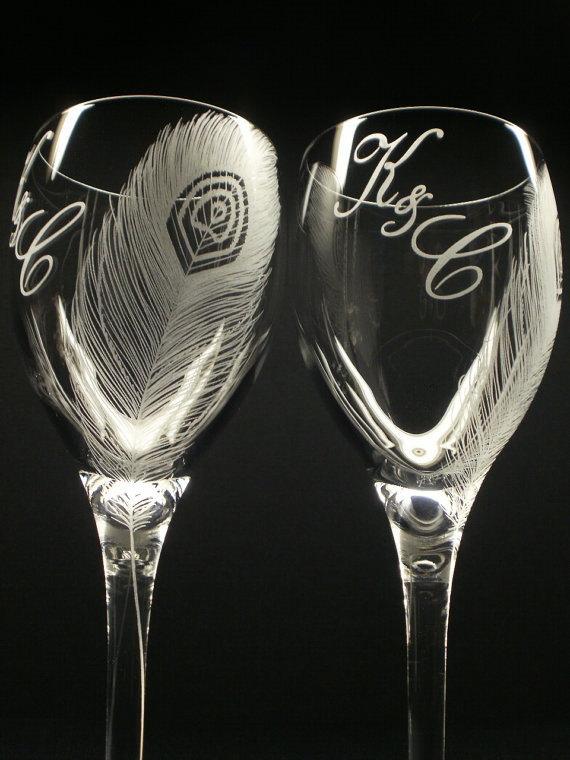 Свадьба - 2 Custom Wine Glasses 'Peacock Feathers' Peacock Wedding Personalized Monogram