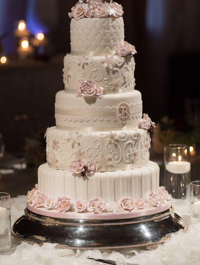 Hochzeit - 32 Stunning Pin-Worthy Wedding Cakes - MODwedding