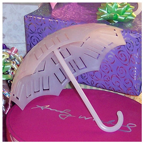 زفاف - All-In-One Umbrella for Making a Bouquet/ Bow-Hat with Ribbons at Bridal Shower. No Taping or Stapling Required. Proudly Made in USA.