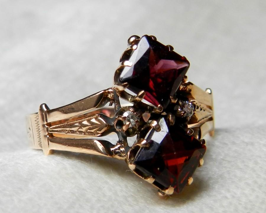 Mariage - Antique Engagement Ring Garnet Engagement Ring 14K Victorian Ring 1.30 Ct Garnet Diamond Ring Unique Engagement January Birthday
