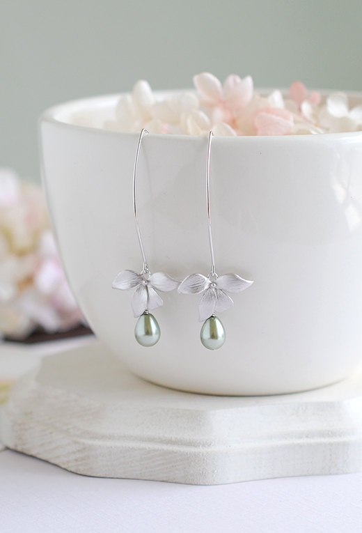 زفاف - Silver Orchid Flower Sage Green Teardrop Pearls Long Dangle Earrings Olivine Drop Earrings Sage Wedding Bridal Earrings Bridesmaid Gift