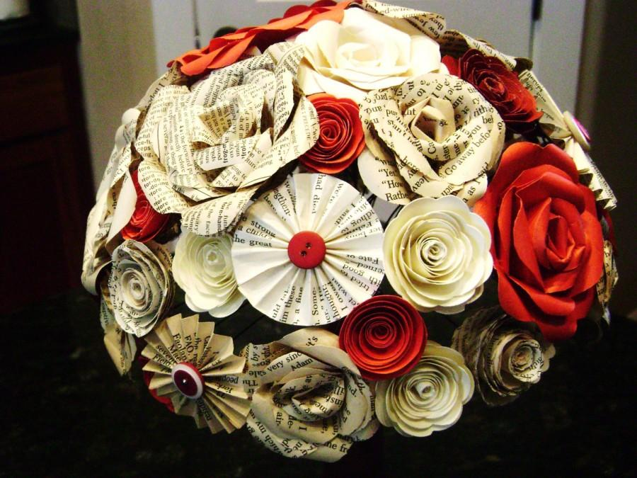 Mariage - the Cara bridal bouquet in red and wine mixed paper roses, book page roses spiral roses and pinwheel fan folded flowers