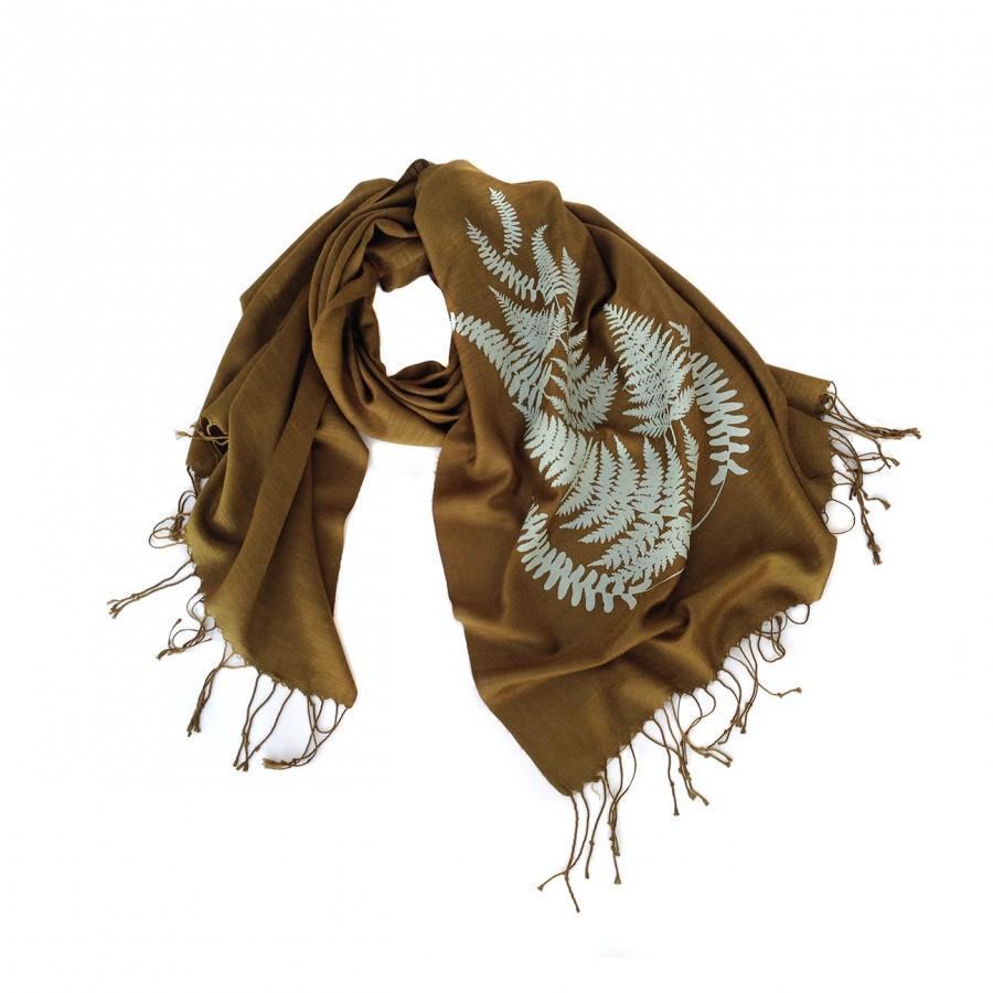 Свадьба - Fern leaves silkscreened wrap. Golden olive & sage print (and more!) Lightweight pashmina scarf.