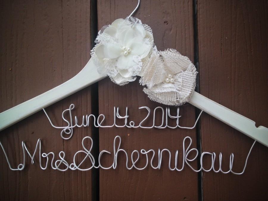 Mariage - Elegant Rustic Hanger with ivory Burlap Flower Satin Flower, Bride Hanger with date, Wedding Hanger, Personalized Bridal hanger, Bridal Gift