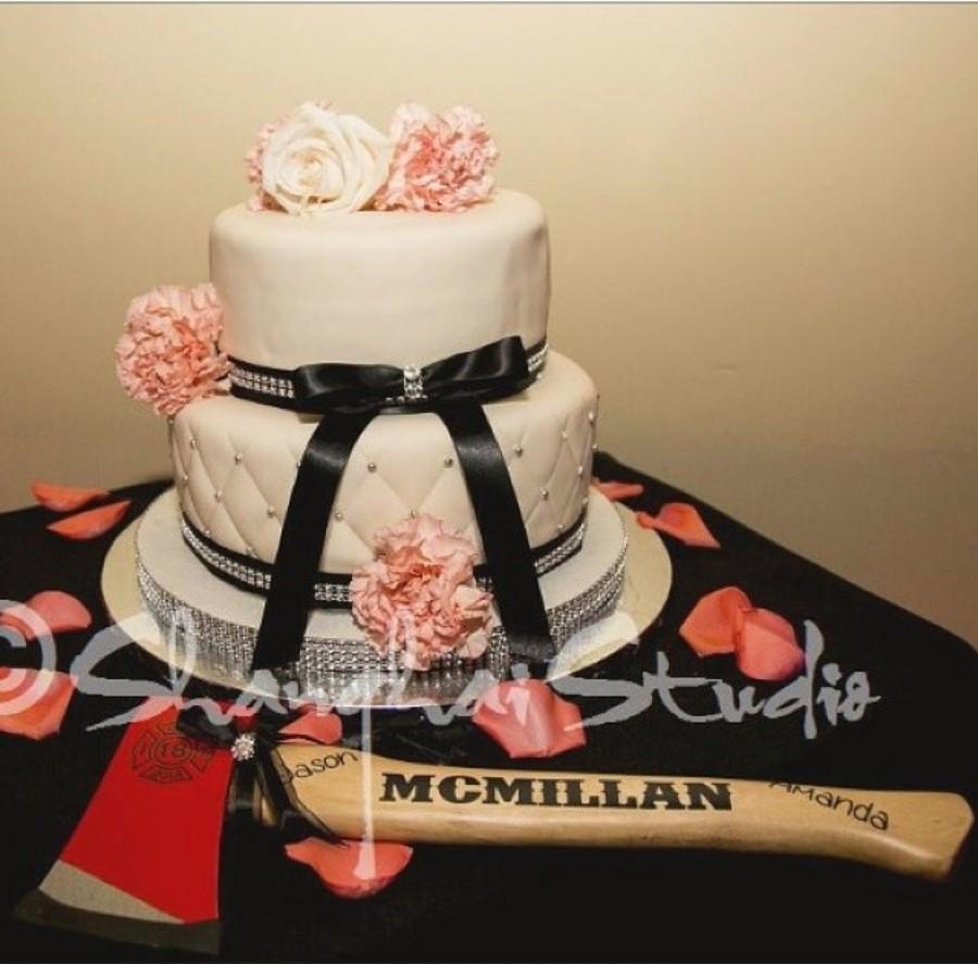 Mariage - Customized Firefighter axe wedding cake cutter.