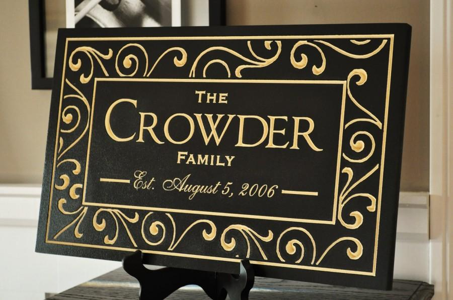 Hochzeit - Personalized Family Name Sign Established Plaque Carved Engraved 11x18 FS