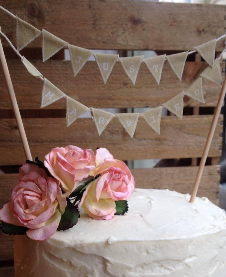 Decor just married vintage bunting cake topper 2423776 for Just married dekoration