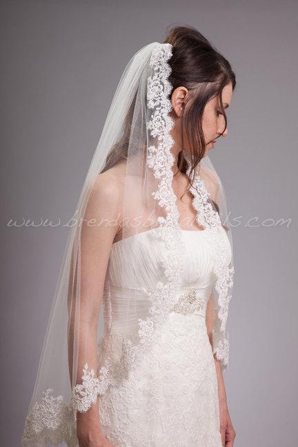 Mariage - Alencon Lace Bridal Veil Single Layer, Beaded Lace Wedding Veil - Selma