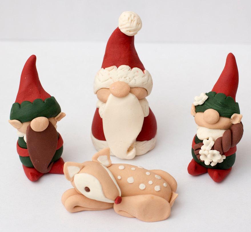 Свадьба - Fondant Santa, elf, and Rudolph toppers