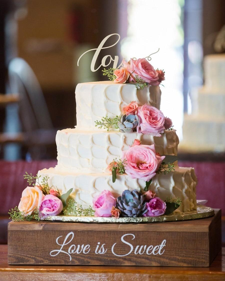 "Hochzeit - Rustic Wedding Cake Stand - 16""x16"", 18""x18"" or 20""x20"""