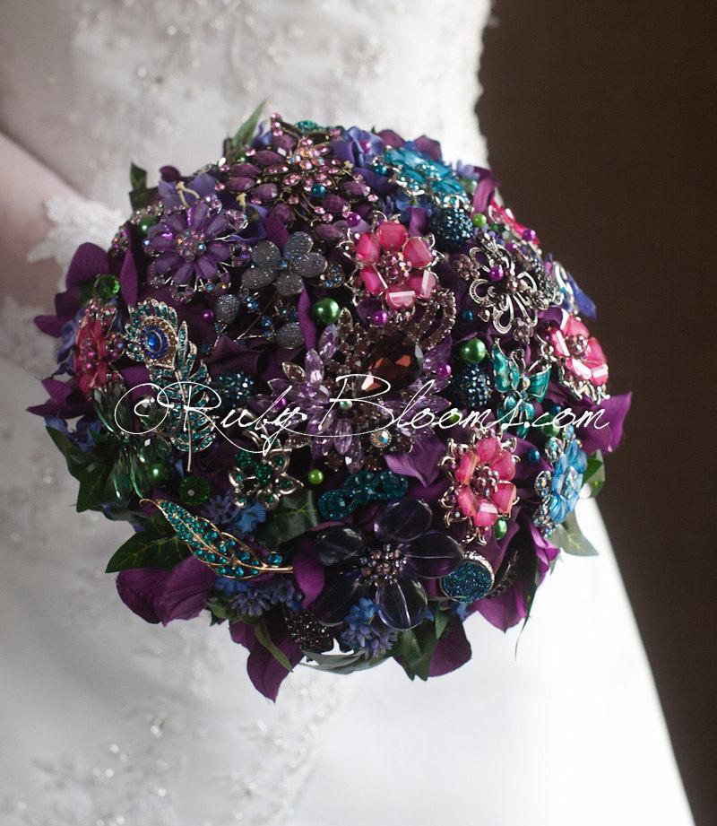"Свадьба - Burgundy Crystal Wedding Brooch Bouquet. Purple Wine Bridal Broach Bouquet. Deposit ""Purple Divine"" Jewelry Heirloom Bouquet"