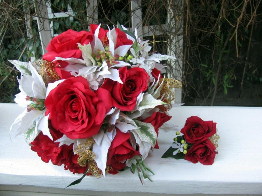 Свадьба - Christmas wedding bouquet, white poinsettia, red hydrangea, red roses, gold accents, silk wedding bouquet, winter wedding, holiday bouquet