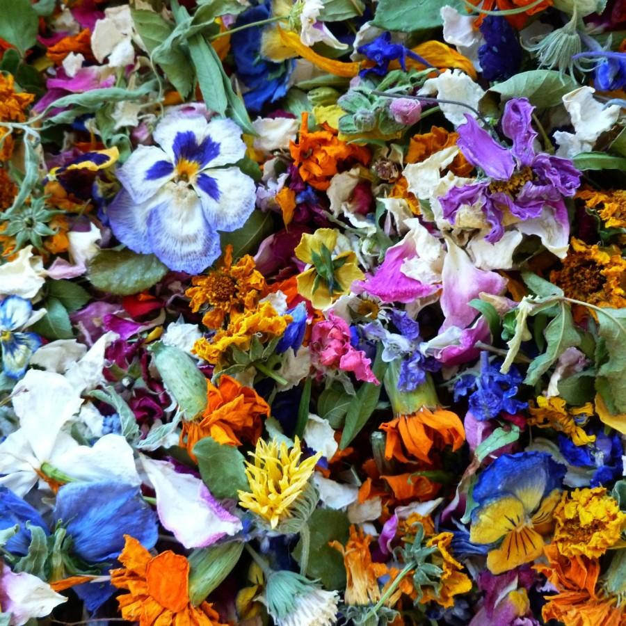 Wedding - Petal Confetti, Dried Flowers, Flower Petals,  Confetti,  Wedding Decorations, Tossing flowers, Aisle Decor, Rustic, Eco Friendly, Natural