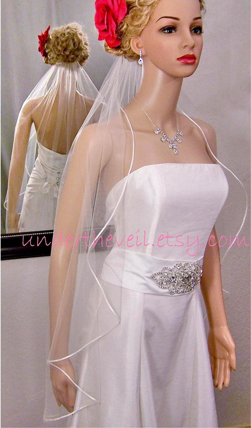Свадьба - ON SALE, Fingertip Cascading FINGERTIP Ribbon Edge, 1 Tier Veil, Satin Ribbon Edge