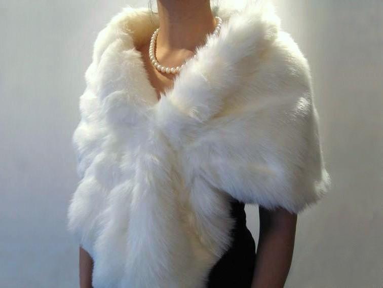 Свадьба - White bridal faux fur wrap shrug stole shawl cape A001-White