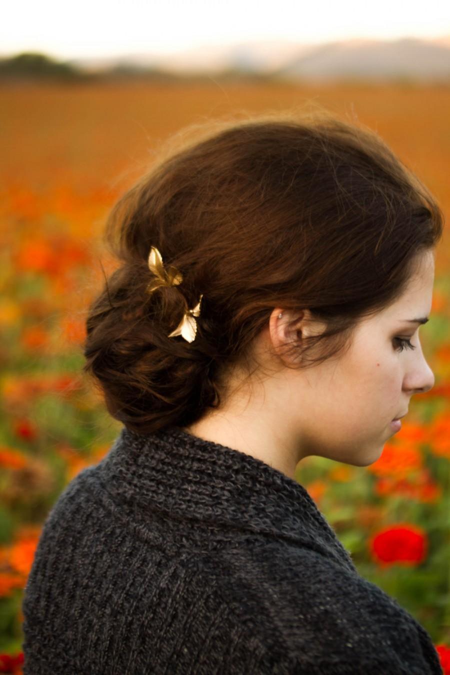 Свадьба - Gold Leaf Hair Pins Leaf Bobby Pins Pretty Woodland Fall Hair Accessory Gold Leaf Hair Clip Bridal Hair Pins Autumn Hair Gift For Her