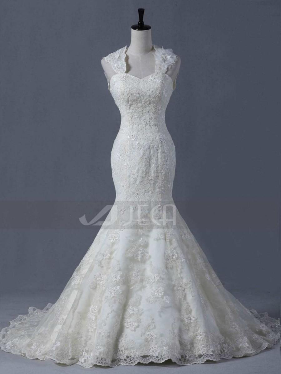 Mermaid Cut Lace Wedding Gown Available With Detachable Cap