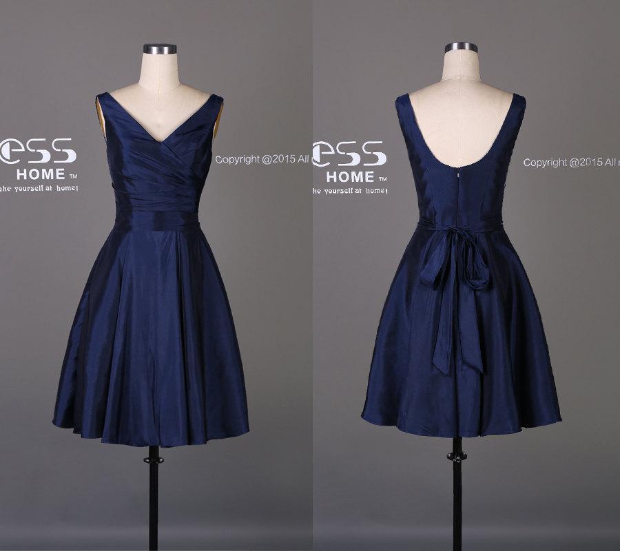 Mariage - Simple Navy V Neck Short Bridesmaid Dress/Knee Length Taffeta Bridesmaid Dress/Custom Made Navy Short Prom Dress/Wedding Party Dress DH194