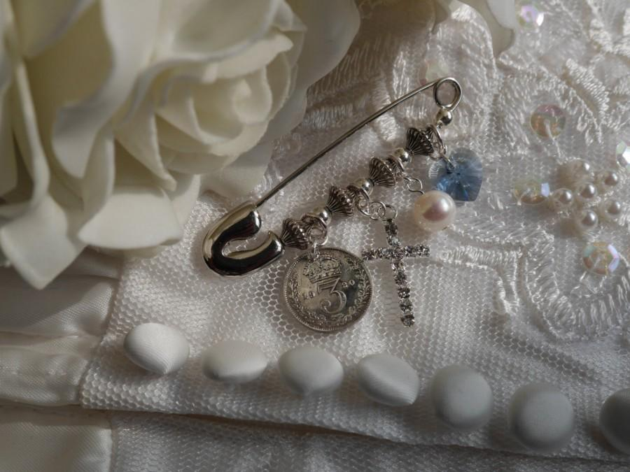 Свадьба - Hand made Wedding Keepsake Pin, With CROSS for religious service: Something Old, New, Borrowed, Blue with Optional date tag