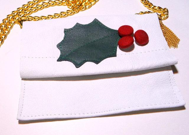 Mariage - Christmas Holly Leaf - Small Purse - White Leather - Hand Made - Bride - Christmas - Unique Holiday Necklace - Shoulder Purse - Recycled