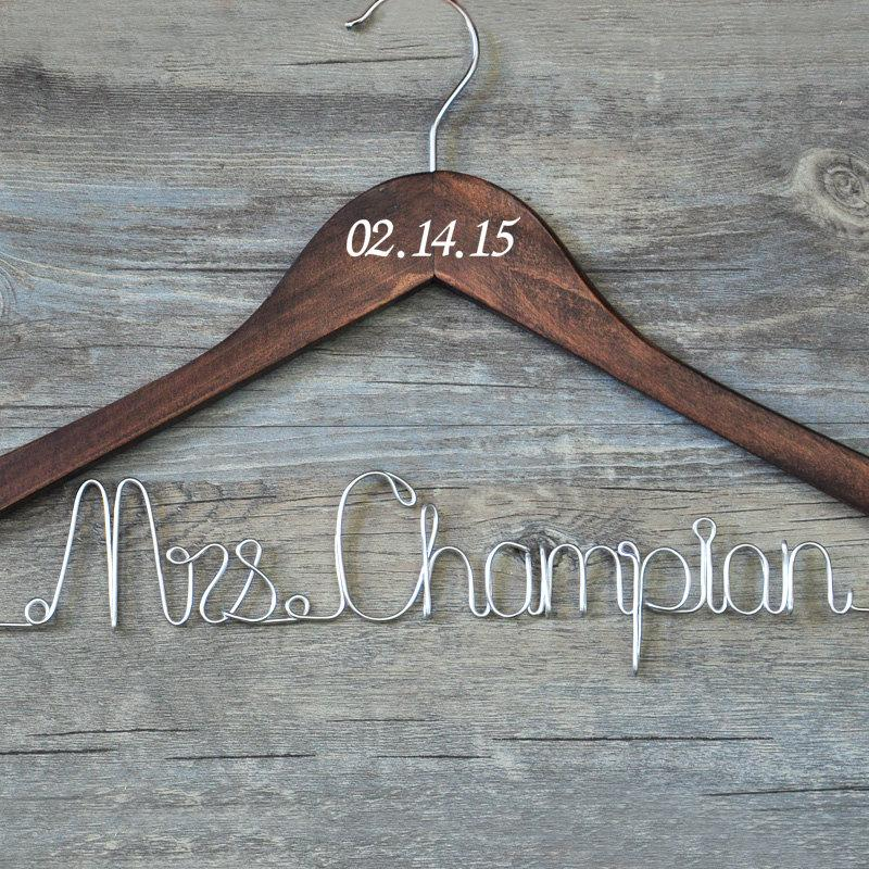 Custom wedding hanger with date personalized bridal for Wedding dress hanger amazon