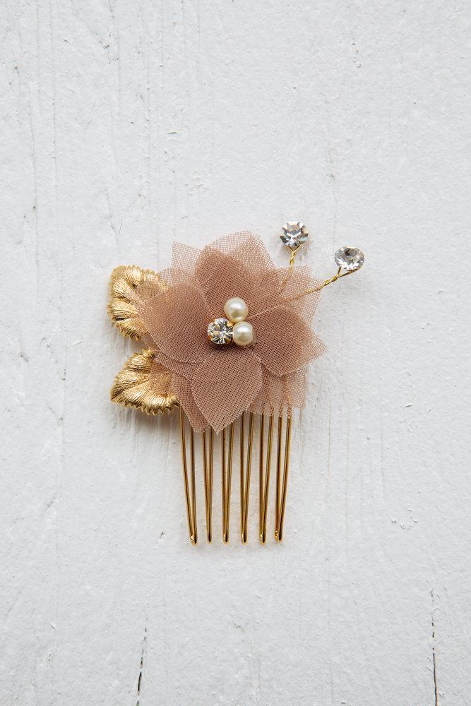 Свадьба - Chiffon flower hair comb,  bridal headpiece, bridesmaid accessories, bridesmaid gift, chiffon bridal comb, bridesmaid hairpiece, flower comb